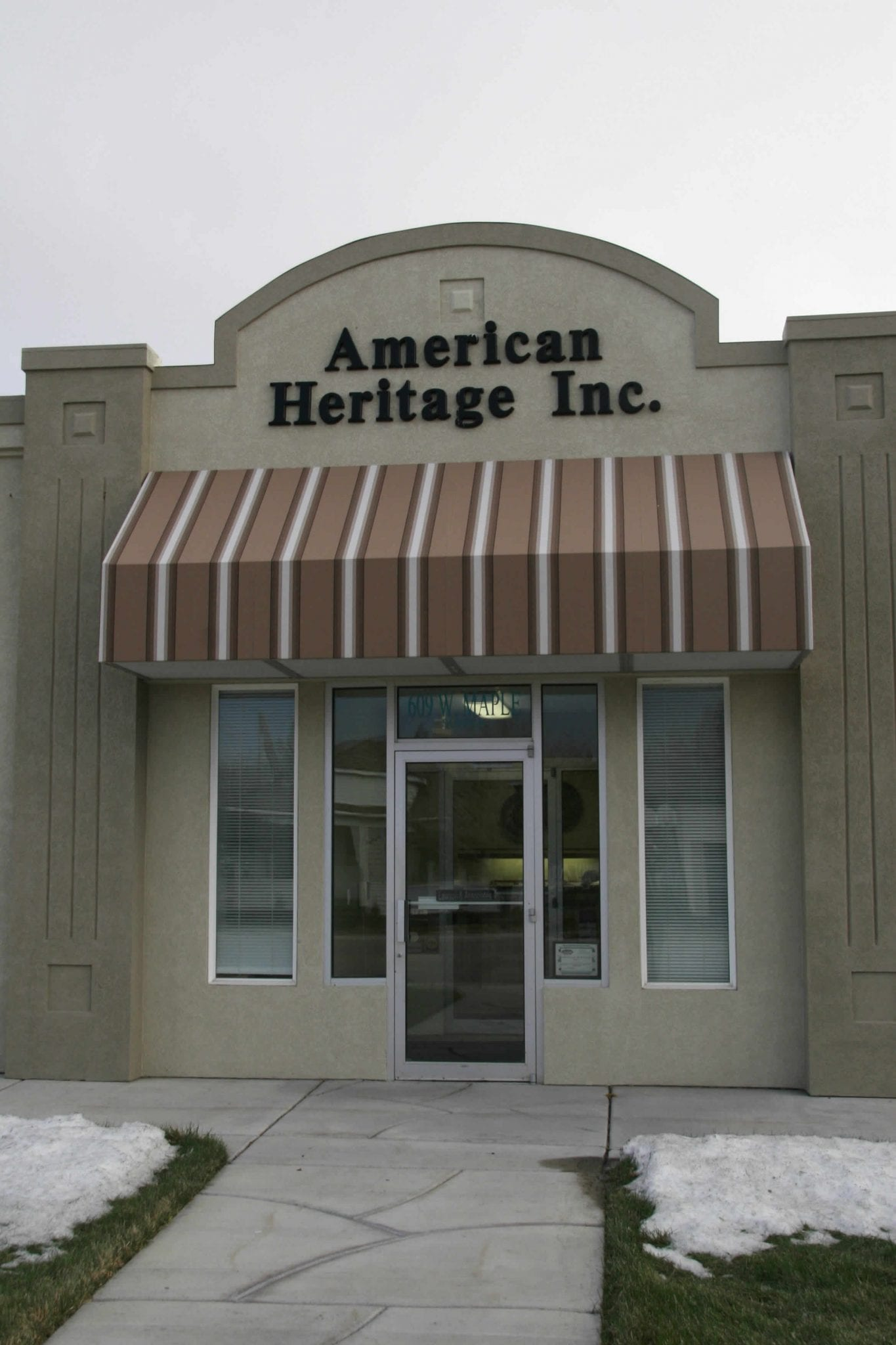 American-Herritage-Canvas-Awning1