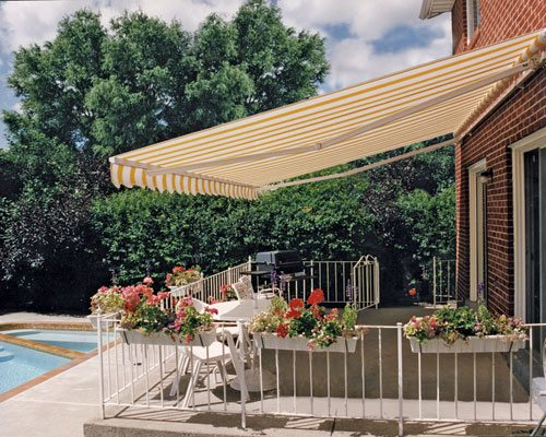 retractable_awning_professionally_installed